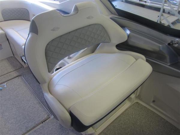 Dual-Wide Helm Seats