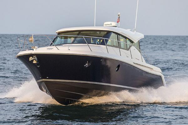 Tiara Yachts C39 Coupe Manufacturer Provided Image