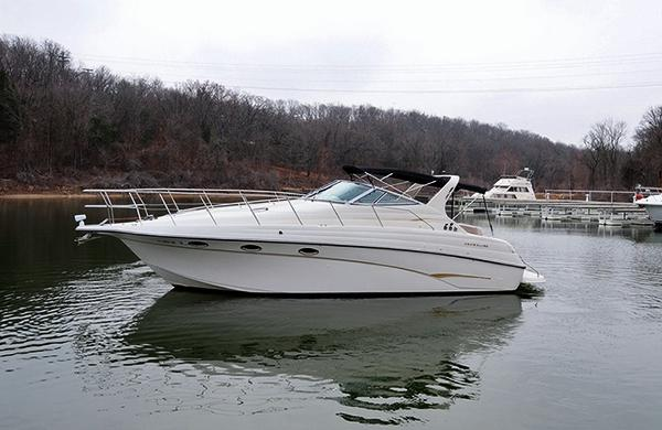 Crownline 330 CR