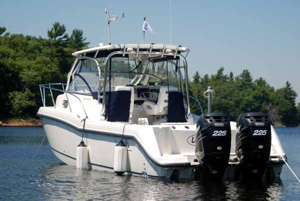 Boston Whaler Conquest 285