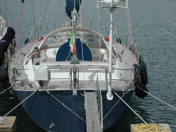 Southern Wind Farr 72 Photo 1