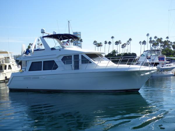 Navigator 4800 Pilothouse Starboard Profile