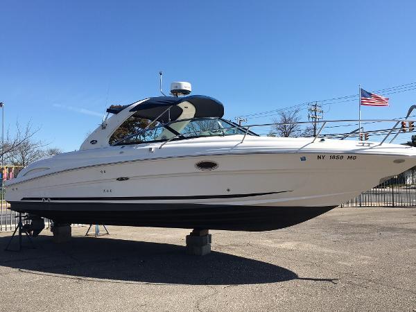 Sea Ray 290 Sun Sport Starboard Side