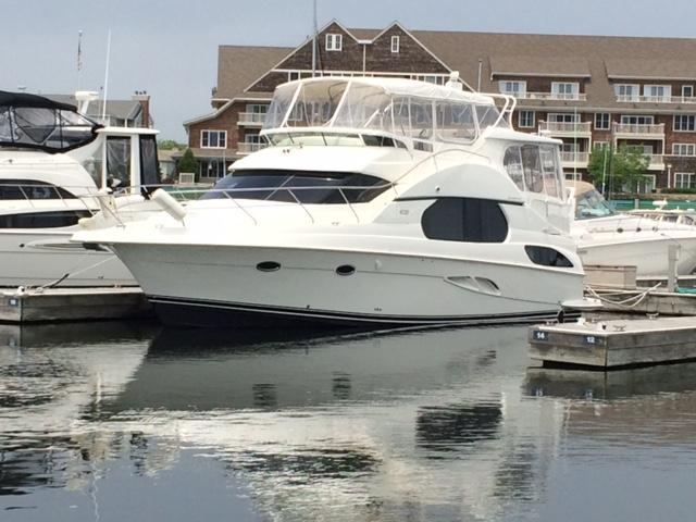 Silverton 43 Motor Yacht