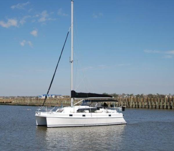 Endeavour Catamaran 34 Port side