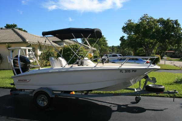 Boston Whaler 15 SS Profile