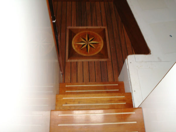 Forward Cabin Steps and Inlay