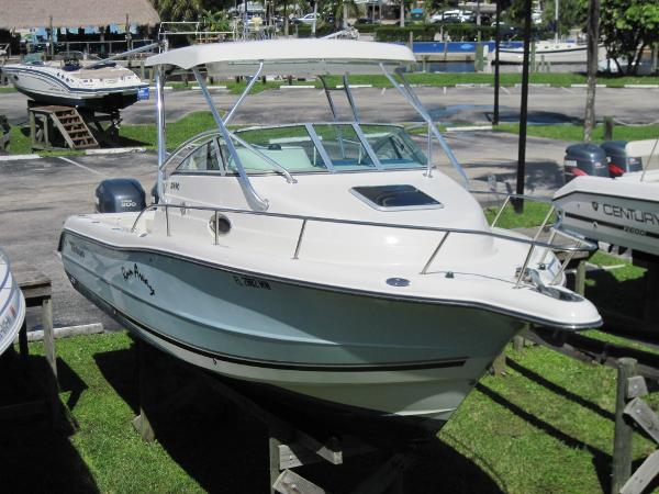 Triton 2690 WA Starboard Bow From Above