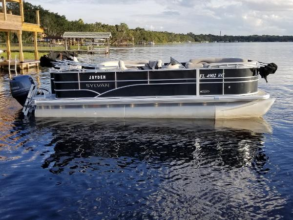 Sylvan 8520 Mirage Cruise