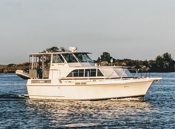 Bertram 38 Salon Motor Yacht DIESEL Good Life 38' Bertram 1973