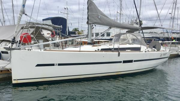 Dufour 36 e Performance