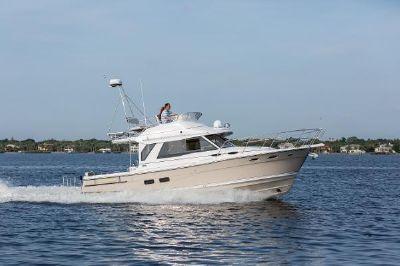 Cutwater C-30 CB Luxury Edition