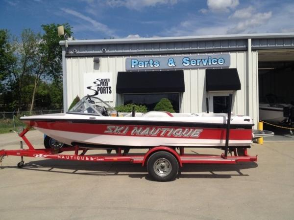 Nautique Ski 196 Closed Bow