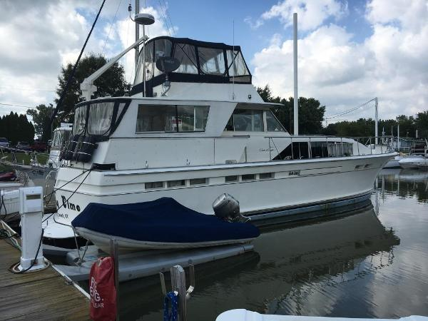 Chris-Craft 55 Commander