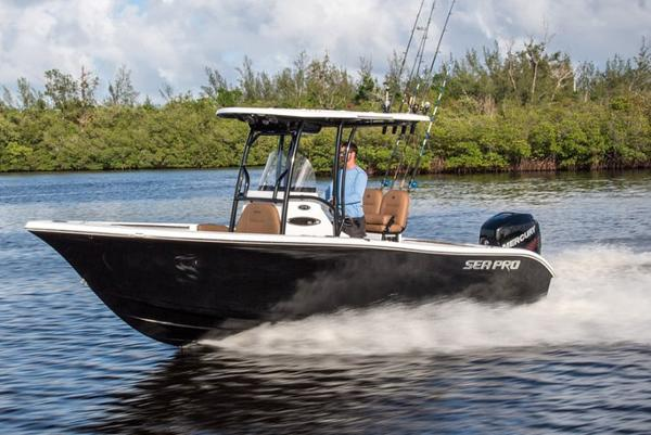 Sea Pro 219 Center Console Manufacturer Provided Image