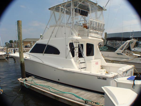 Luhrs 38 Convertible full view port