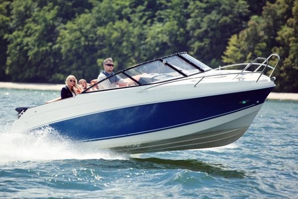 Corsiva Coaster 600 DC Good stable boat at speed