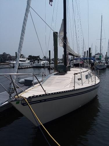 Spirit Yachts 28 PORT BOW DOCKSIDE