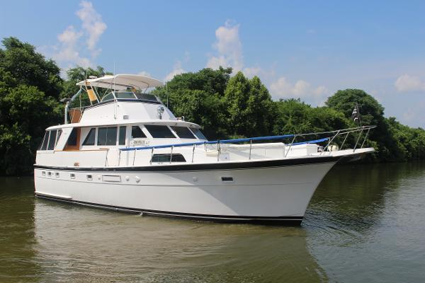 Hatteras 53 Motoryacht Profile Exterior