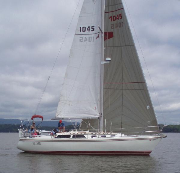 "CATALINA YACHTS Catalina 34 Tall Rig ""Elixir"""