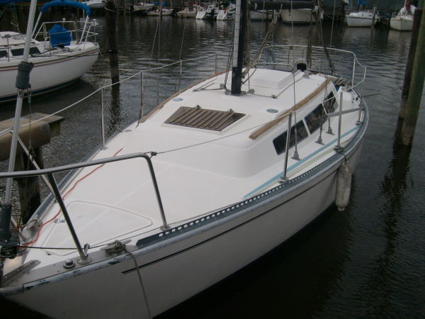 S2 8.5 Sailboat Photo 1