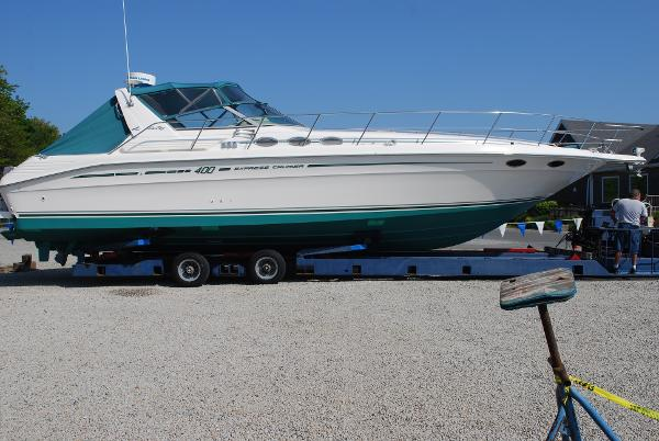 Sea Ray Express Cruiser 400