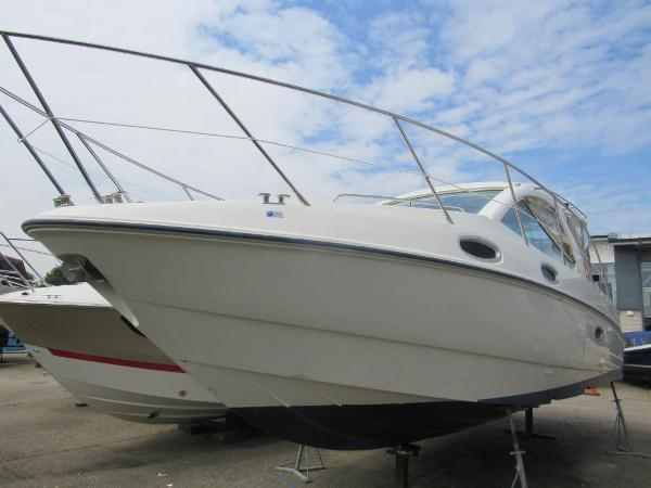 Sealine SC29 Sealine SC29 Port side view