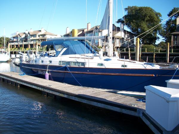 Beneteau Oceanis 44 CC Blue Heaven at slip