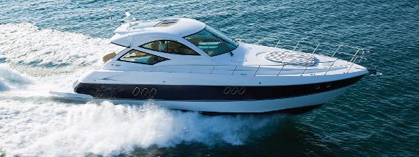 Cruisers 540 Sports Coupe Starboard Side