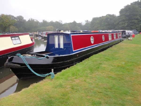 Narrow Boat Ledgard Bridge Boat Co. Semi Trad. Stern