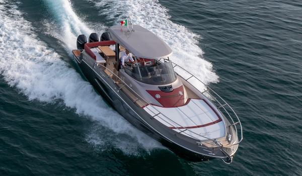 Sessa Marine Key Largo 40 Outboard Line
