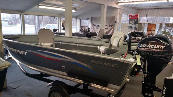 Smoker craft boats for sale 10 for Smoker craft pro mag