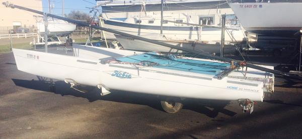 Hobie Cat Miracle 20 Port Side View