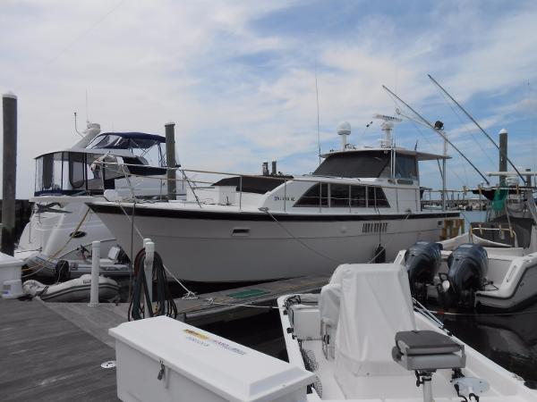 Hatteras 43 Double Cabin Motoryacht Hatteras 43