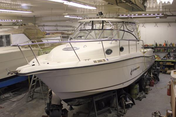 Seaswirl Striper 3301 Walkaround (WA) Port side