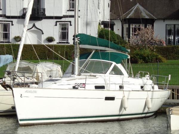 Beneteau Oceanis 36 CC Beneteau Oceanis 36CC - Avalon