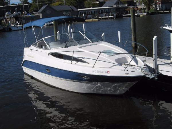 Bayliner 265 DOCKSIDE PROFILE