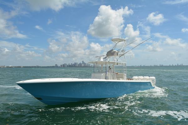SeaVee 390Z SIDE VIEW