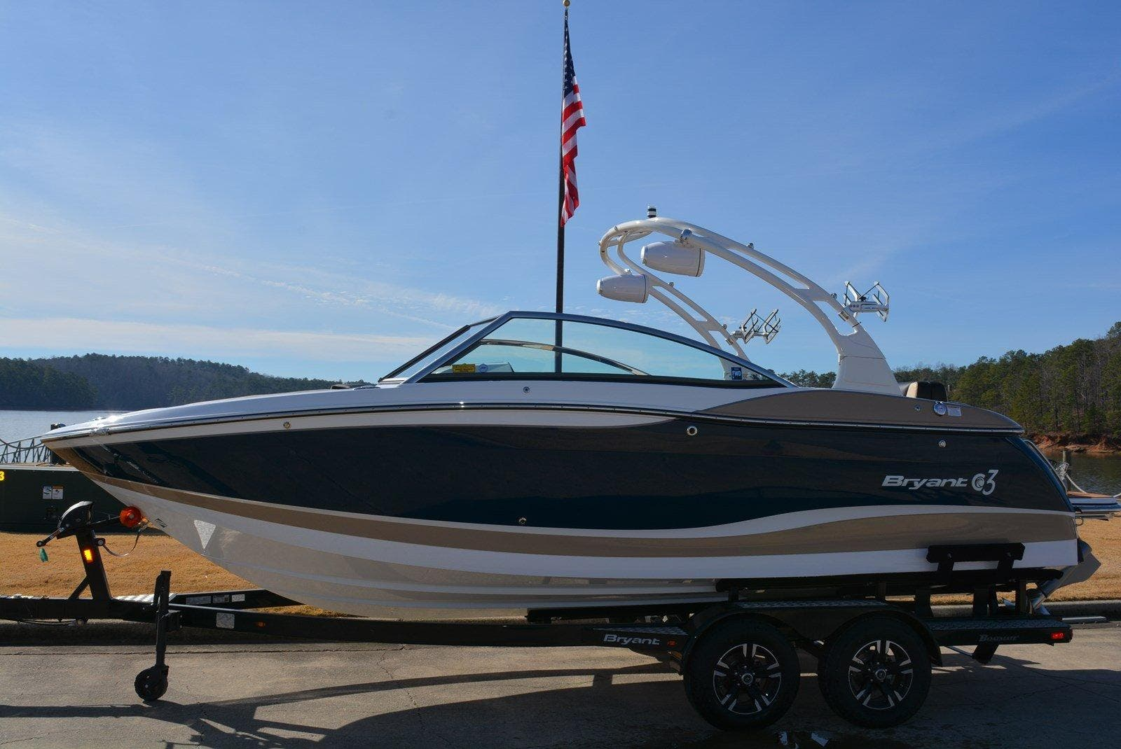 Bryant Boats C3 SURF