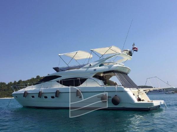 Ferretti Yachts 500 6519094_20171103104745930_1_XLARGE