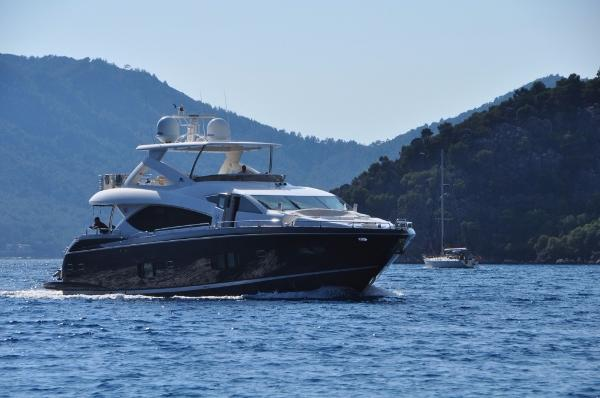 Sunseeker 88 Yacht SUNSEEKER 88
