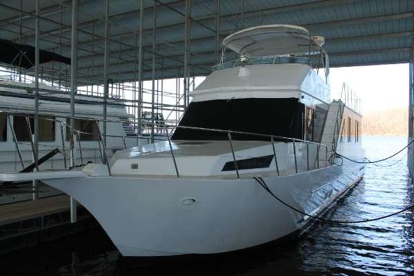 Custom Riverchase 60-foot aluminum hull motoryacht-style houseboat