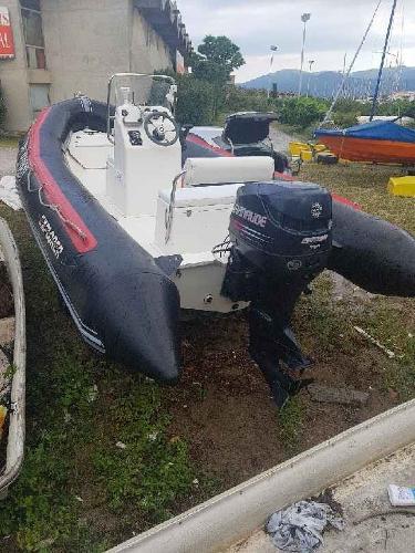 Bateau bombard typhoon alu 420 dating