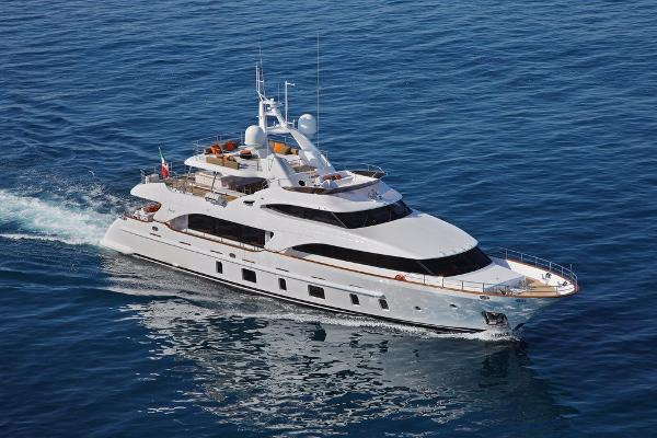 Benetti TRADITION 105'