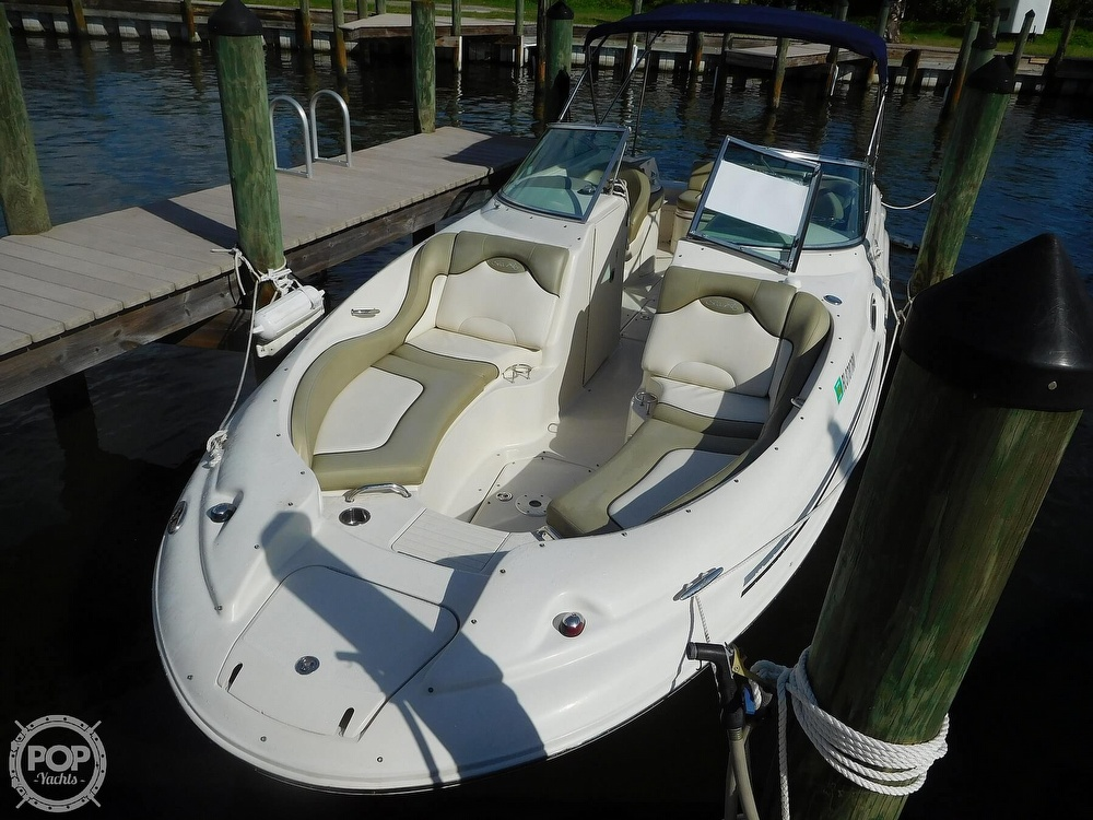 Sea Ray SUNDECK 270 2005 Sea Ray Sundeck 270 for sale in Melbourne, FL