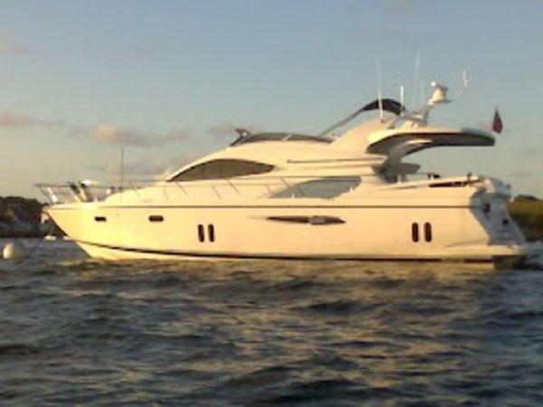 Pearl Motor Yachts 60