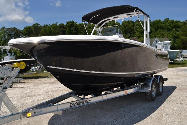 Tidewater Boats 220 LXF Arch