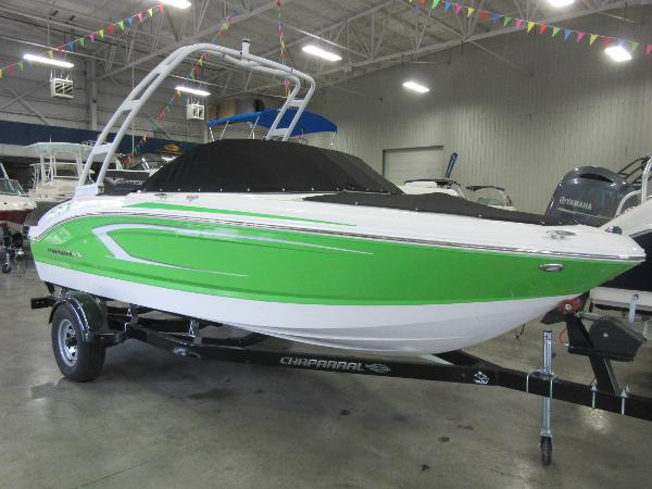 Chaparral 19 H2O Sport IN OUR SHOWROOM NOW