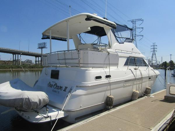 Cruisers Yachts 3650 Aft Cabin MY