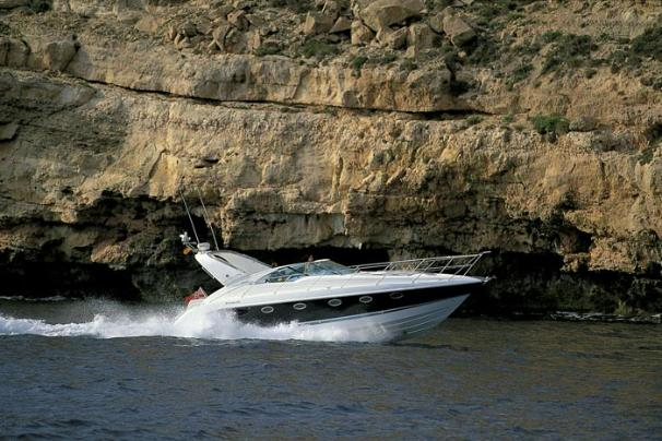 Fairline Targa 40 Manufacturer Provided Image: Running